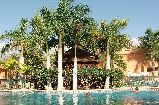 Green Garden Resort & Suites: het zwembad
