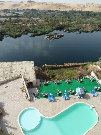 Sara Hotel : Direct views of the Nile and swimming pool below.