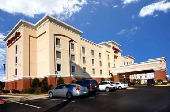 Hampton Inn Shreveport Airport: Hotel front view