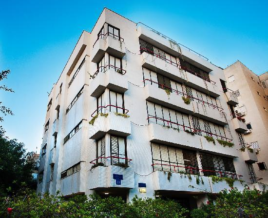Arbel Suites Hotel: The building