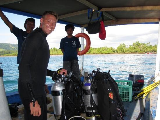 Two Fish Divers Bunaken: Getting ready to dive