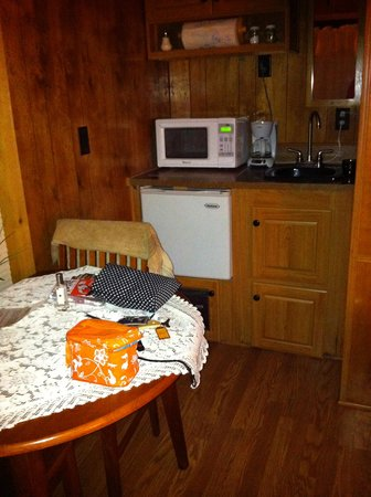 Stampede RV Park and B&B: log cabin