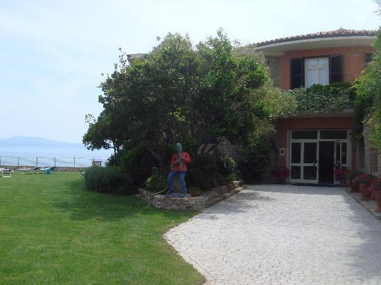 Hotel Capo d'Uomo: l'entrée de l'hotel