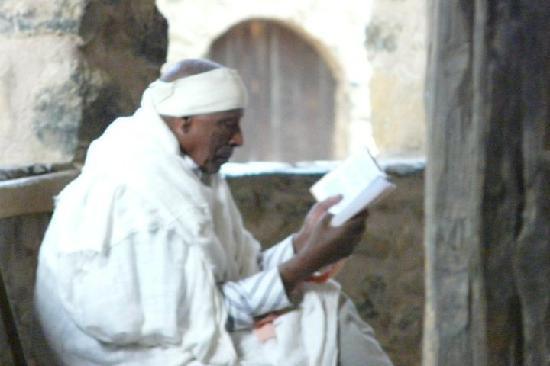 Lalibela, Etiopía: La prière d'un pélerin...