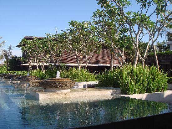 Soori Bali: Main swimming pool