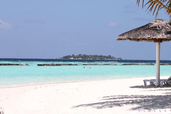 Kurumba Maldives: Beach view