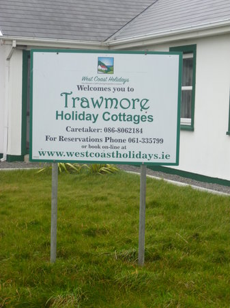 Trawmore Holiday Homes: The sign for the cottages
