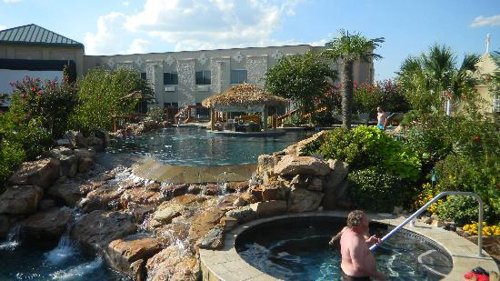 Choctaw Casino Resort : adult pool area w/swim up bar!  movie screen to left
