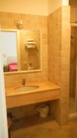 Hotel La Tosca: Bathroom