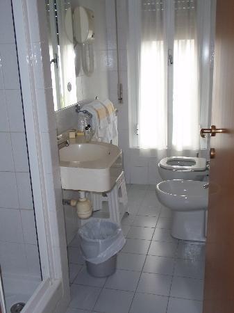 Hotel Belvedere: Great Bathroom with wonderful shower
