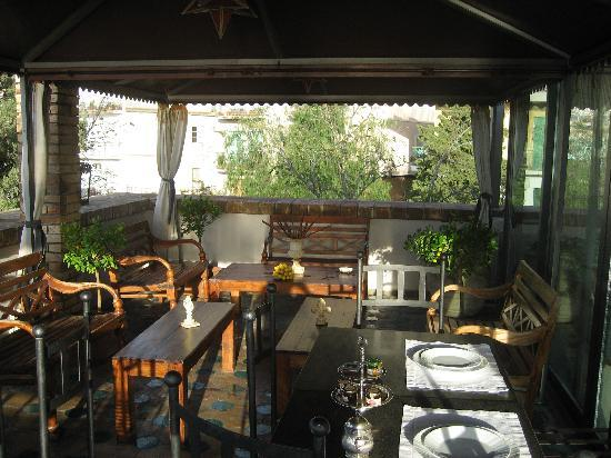 Hotel Villa Carlotta: veranda where breakfast is served and dinner