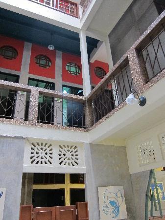 Cozy Bangkok Place Hostel : cozy atrium