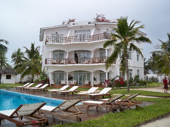 Dongwe Ocean View: Building view