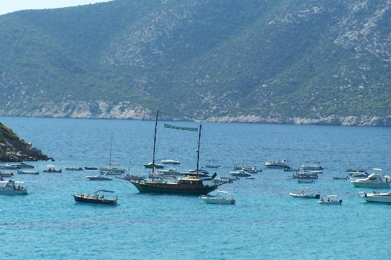 Sant Elm, İspanya: local boats infront of the Dragon Island