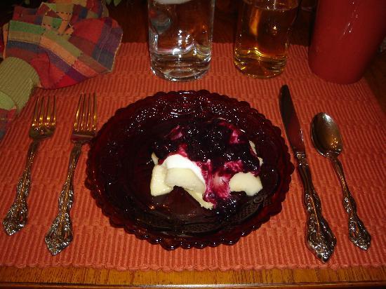 All Seasons River Inn: Sweet Fruits for Breakfast Day 1