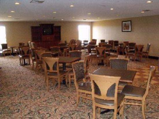 Hampton Inn Sault Ste Marie: Our Breakfast Bar