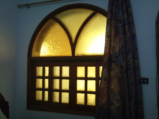 Yasmina Hotel: Main Window