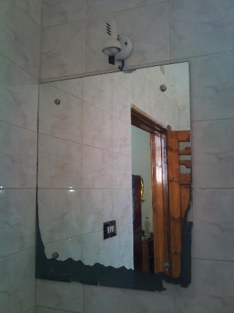 Yasmina Hotel: En Suite