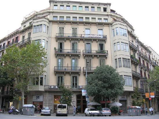 Hostal Eixample: hostal san remo, there is cafe next door. It is reasonable I enjoyed it there