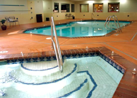 Best Western Snowcap Lodge: Indoor heated pool, spa & fitness center.  Experience the personal touch.
