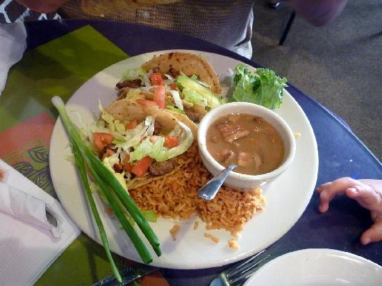 Pepe's Cafe: Steak tacos