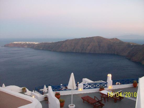 Afroessa Hotel: View of Oia