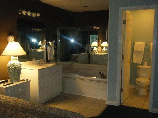 Plantation Resort: Our room :D