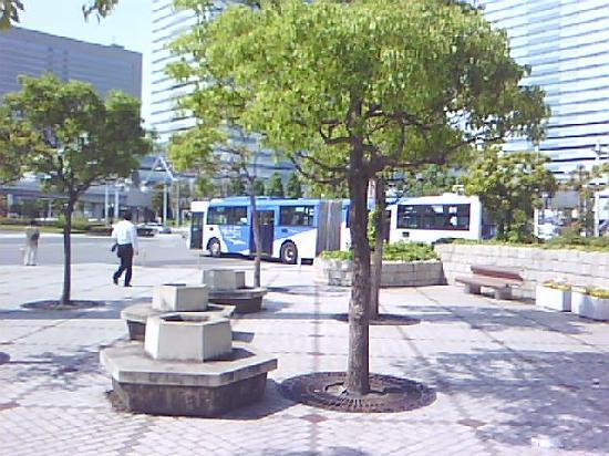 Makuhari Messe: 連接バス