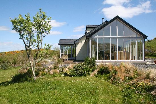 South Reen Farm Retreat: The house