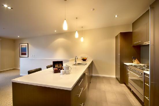 LakeRidge Queenstown kitchen
