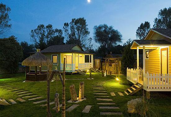 Village Park Country Resort: Matsu Houses