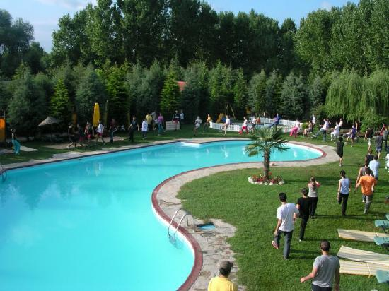 Village Park Country Resort: Main Pool