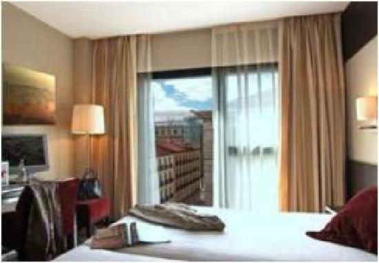 Hotel Paseo del Arte: Zimmeransicht