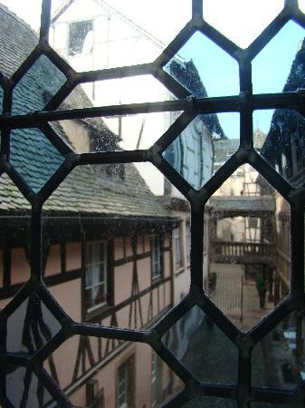 Hotel Cour du Corbeau Strasbourg - MGallery Collection: vue d'une chambre