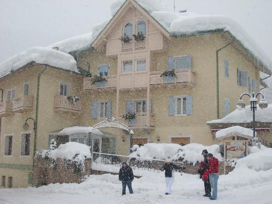 HOTEL PANGRAZZI, LET IT SNOW!!