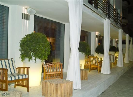 Shalom Hotel & Relax Tel Aviv - an Atlas Boutique Hotel: Outside