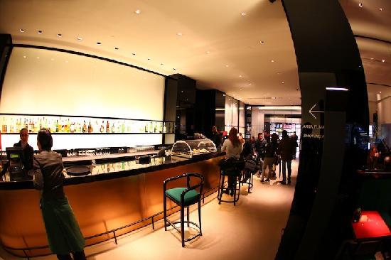 Emporio Armani Caffe, Milan - Centro Storico - Restaurant