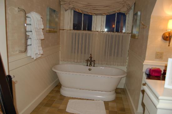 Castle Hill Inn: Bath Area