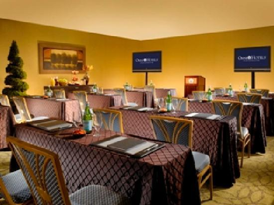 Omni Charlottesville: James Monroe Meeting Room