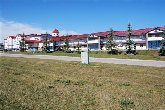 BCMInns - Hinton : Motel exterior