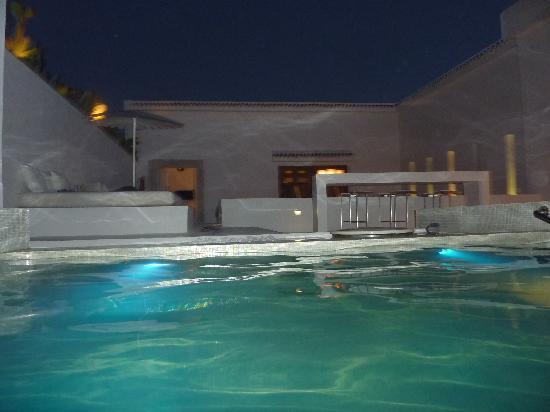 Dar Sabri : Zwembadje 'by night'