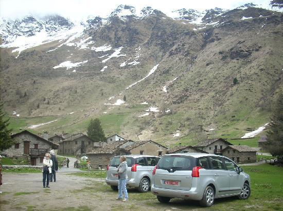 Ponte di Legno, İtalya: Parking lot