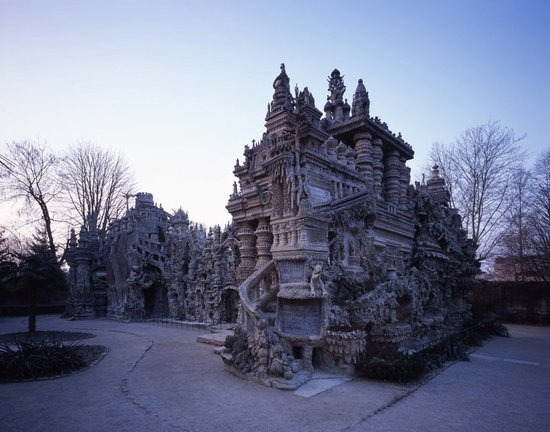 Hauterives, France: Le Palais ideal du facteur Cheval/Coll Palais ideal Hidehiko Nagaishi