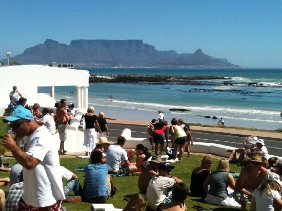 Bloubergstrand, Sudáfrica: Schöne Stimmung im Blue Peter!