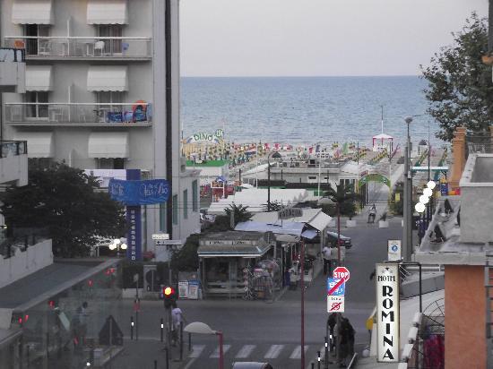 Hotel Sissi: spiaggia vista balcone