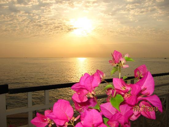 Stella Di Mare Beach Hotel & Spa: Sunrise at Stella Di Mare