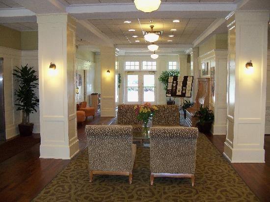 Cavalier Inn at the University of Virginia: Lobby