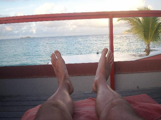 Tom Beach Hotel: I can't feel my legs...