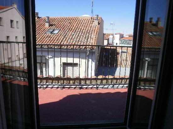 Hotel Palacio de Valderrabanos: vue sur grand balcon
