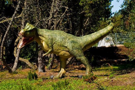 Dino Golf: Deres store 4 meter høje T-Rex, meget livagtig!